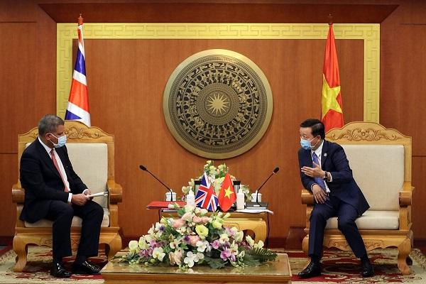 Bộ trưởng Trần Hồng Hà tiếp và làm việc với Chủ tịch COP26